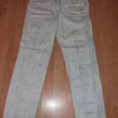Классные легкие джинсики,переливается накатка,размер 44