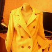 Очень красивое,яркое стильное полупальто-куртка,размер 42-46