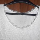 Чудова білосніжна сукня, дуже ніжна. Розмір 10-12.