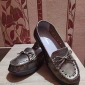 Шикарные туфельки, мокасины, кожа полностью.