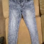 Фирменные джинсы, состояние идеальное, С-М