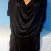 Очень красивое платье свободного кроя в отличном состоянии!!!