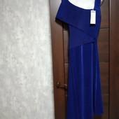 Фирменное новое очень красивое платье из ткани- плиссе р.12