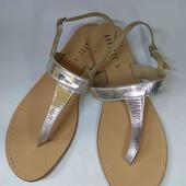 Фирменные кожаные сандали 41 р 26 см