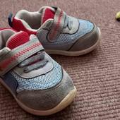 Кросівки для малюка 20р.