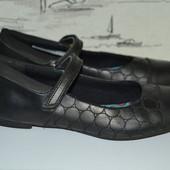 Шкільні туфлі Кларкс . Натуральна шкіра 36-37 розмір