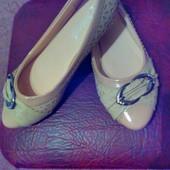 Женские симпатичные туфельки балетки