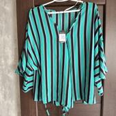 Фирменная новая красивая блуза на запах р.20-22