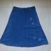 синяя тертая не стрейч джинсовая юбка длина 65см, по бедрам 100см р-р UK 12
