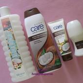 Косметический набор Avon Кокос: пена для ванн, шампунь, крем для рук, дезодорант эйвон