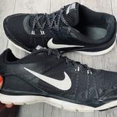Кроссовки Nike оригинал 39 размер стелька 25 см