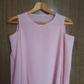Легкая блуза с открытыми плечами