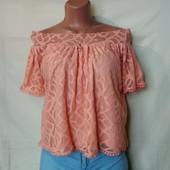 Персиковая кружевная блузочка с открытыми плечами,m/L