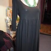 Черное платье с декольте H&M