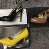 Новые туфли и босоножки из лаковой эко кожи, одни на выбор, размер 37