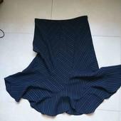 чёрная полосатая юбка длина 80см по бедрам 117+см р-р UK 16