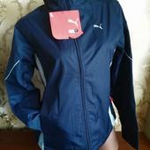 Фирменная женсЖенская деми куртка на флисе и синтепоне Puma. размер м (44-46).
