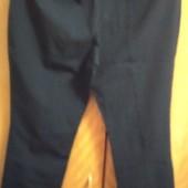 Женские брюки укороченные, черного цвета