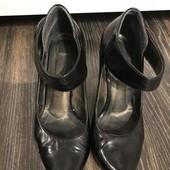 Туфлі розмір 38 стелька 25 см