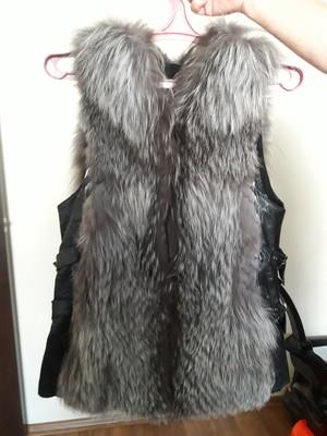 Кожаная жилетка с чернобуркой размер S-M