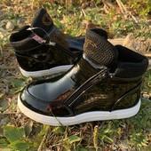 Шикарные демисезонные ботинки р35-21.5 см для девочки