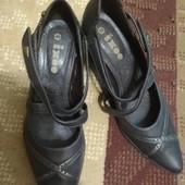 Симпатичные туфельки, из экокожи. 40р полномерные подойдёт и на 41р