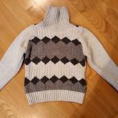 Оочень тёплый свитер! В идеале!