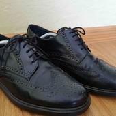 Кожаные броги,туфли,туфлі от Bata