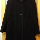 Продам женское демисезонное пальто, размер 50-52(наш) в идеальном состоянии