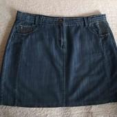Гарна джинсова юбка з карманами, вказано р.16.Заміри
