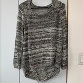 Стильный воздушный свитер.