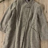 Женское пальто. Размер 2xl-3xl( ориентироваться на замеры). В отличном состоянии.