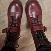 Классные ботинки в очень хорошем состоянии