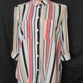 Плотненькая фактурная блузочка с подворотами на рукавах, грудь-106