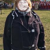 Лёгкая куртка с капюшоном на королевские формы пог - 60см