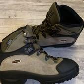 Отличные ботиночки Quechua 35 размер стелька 22 см .