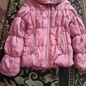 Курточка на девочку в идеальном состоянии