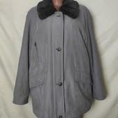 Очень классная фирменная тепленькая куртка,в идеале! Читаем! Грудь-124