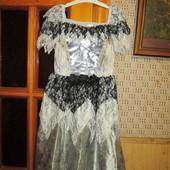 Качество! Карнавальное платье с кружевом и 3/d эффектом от бренда George, в отличном состоянии/нюанс