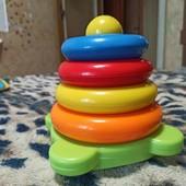 Развивающая необычная игрушка-пирамидка