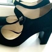 Стильные натуральные замшевые туфельки классика