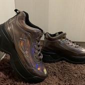 Кроссовки ботинки деми на высокой платформе 37,38,39 р хамелеон