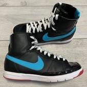 Крутые хайтопы Nike оригинал в состояние новых 38 размер стелька 24 см