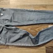 Стильные фирменнные джинсы