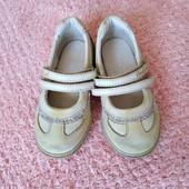 Очень качественные кожаные туфельки