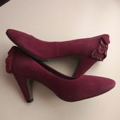 Фирменные новые красивые туфли из эко-замши р.37-38 стелька 24см