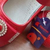 Безумно красивые нарядные туфельки Apawwa
