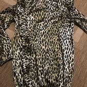Нарядна блуза розмір С-М в стані нової