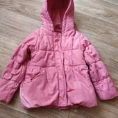 Курточка на девочку в хорошем состоянии