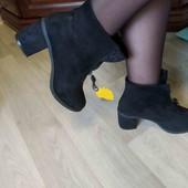 Очень красивые демисезонные ботиночки на каблуке